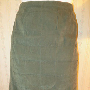Green suede skirt. Like new. Size 16. $12.